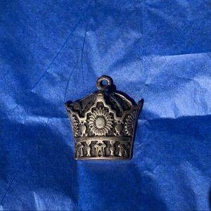 Jewelry - crown necklace charm♥️